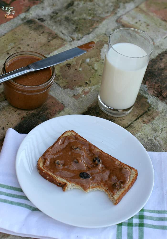 homemade cinnamon raisin peanut butter laurafuentes.com