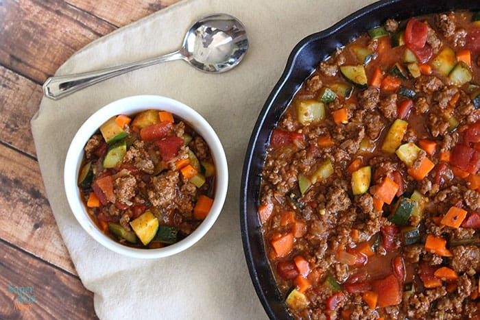 this paleo chili recipe is all meat, lots of veggies, full of flavor!