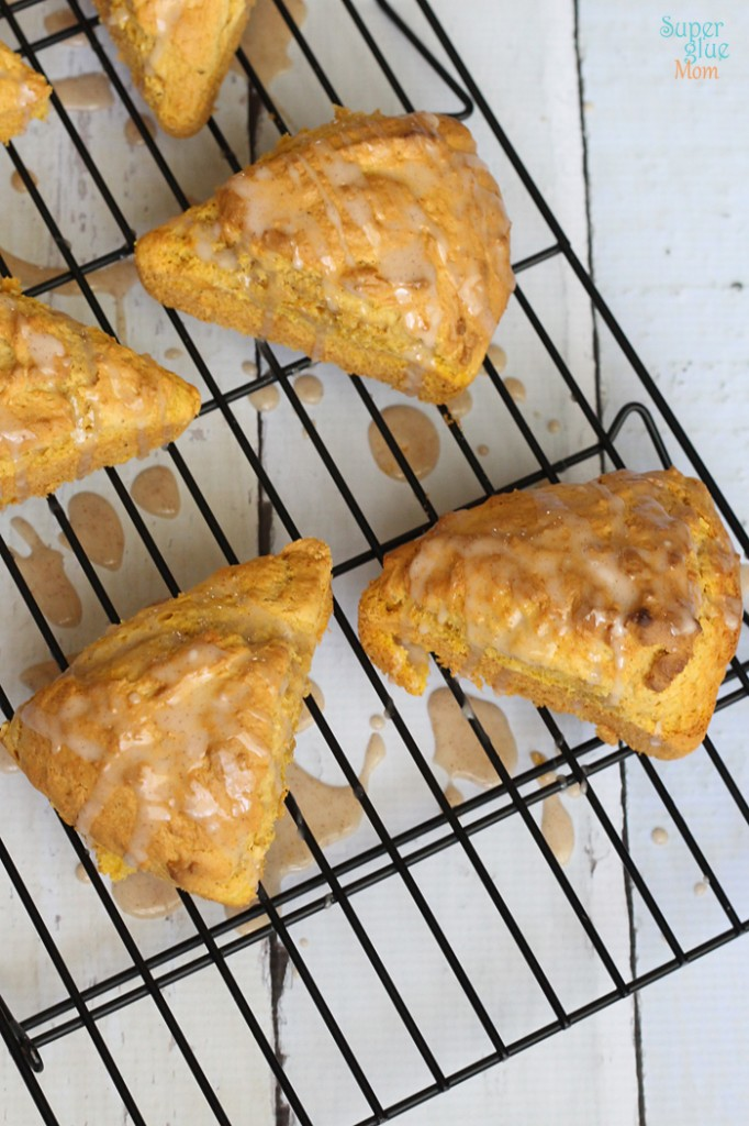Paleo Gluten-Free Pumpkin Scones | Kid-Friendly Make-Ahead Paleo Breakfast Recipes