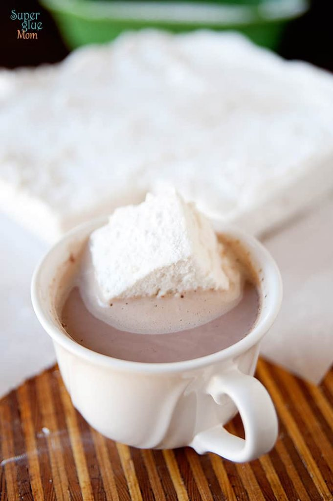this homemade marshmallow recipe made with real ingredients and no corn syrup is perfect for winter hot cocoa! #gaps #paleo