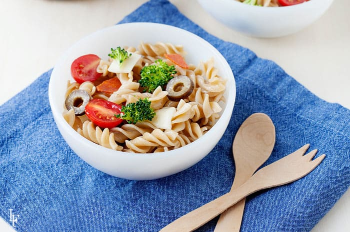 Make veggies like broccoli less intimidating with this easy pizza pasta recipe