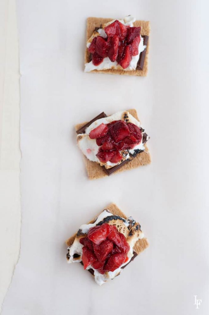 assembling roasted strawberry s'mores is super easy!