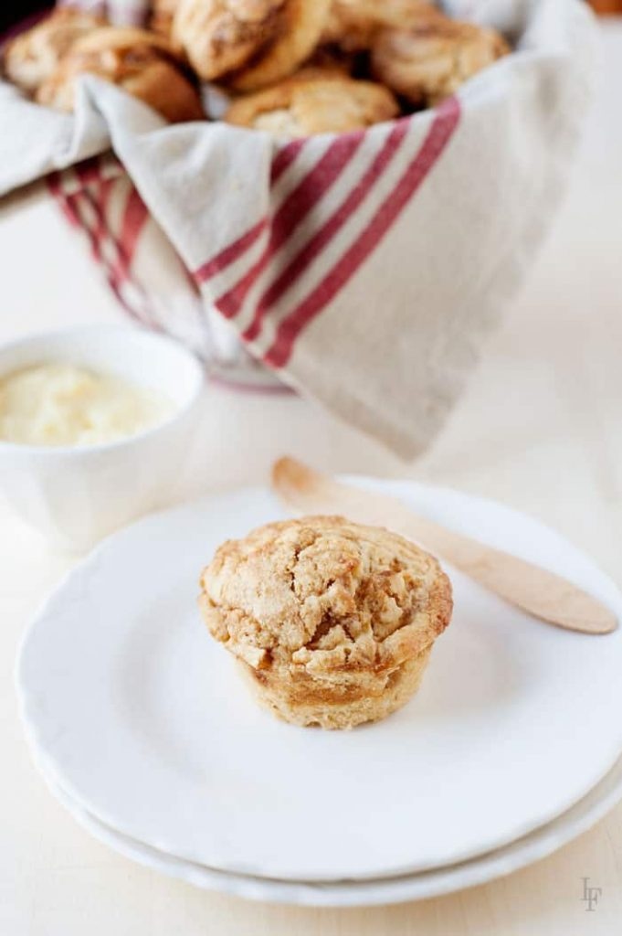 apple fritter muffins recipe filled with the original flavors but much healthier!