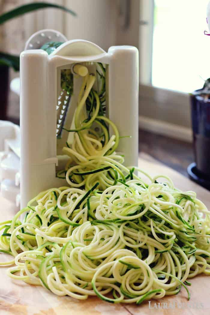 easy spiralized zucchini to make veggie nooddles - how to store them up to 4-5 days