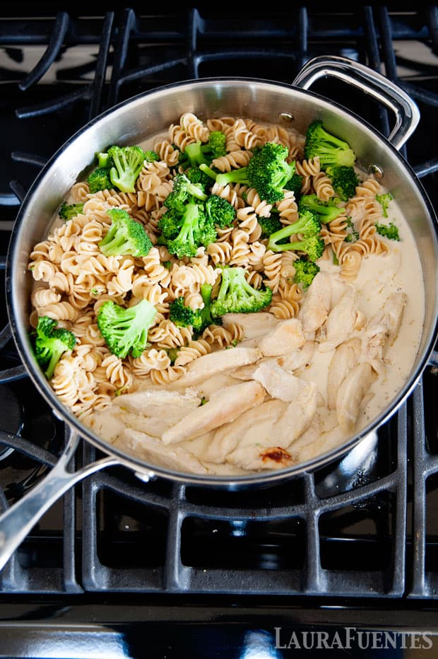 boil the pasta in one pot, and everything else for this chicken & broccoli alfredo dinner comes together on the skillet!