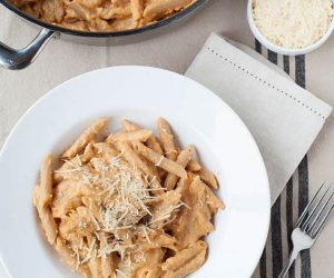 easy skillet pumpkin pasta recipe can be made with gluten free pasta and even dairy-free!