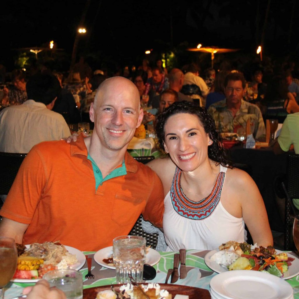 Where would you go if you had the chance to take your first vacation with your spouse in ten years? Hawaii, of course!