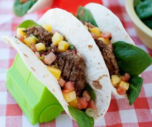 delicious breakfast tacos with turkey sausage, fresh pineapple salsa, and spinach that only take 45 seconds to make! A super delicious quick breakfast idea