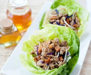 Honey Chicken Lettuce Cups: Easy skillet recipe for Asian style lettuce wraps. Better than PF Changs ;)
