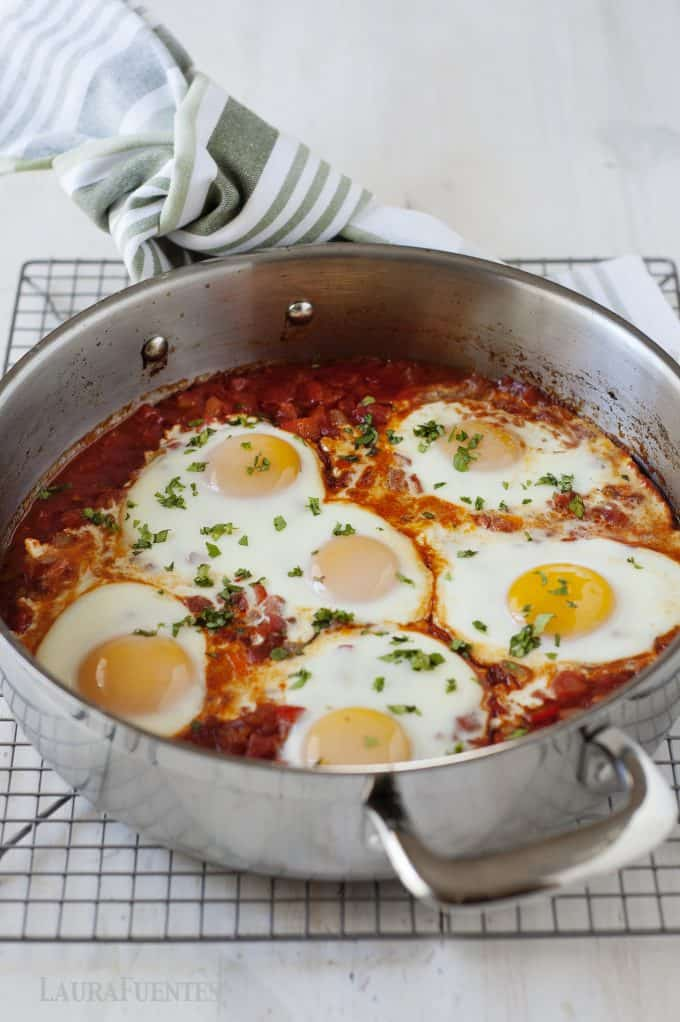 Shakshuka: An easy recipe to change up breakfast in the morning or to have breakfast for dinner!