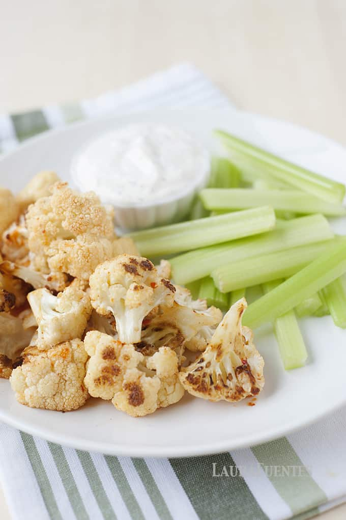 Healthy Buffalo Cauliflower Bites