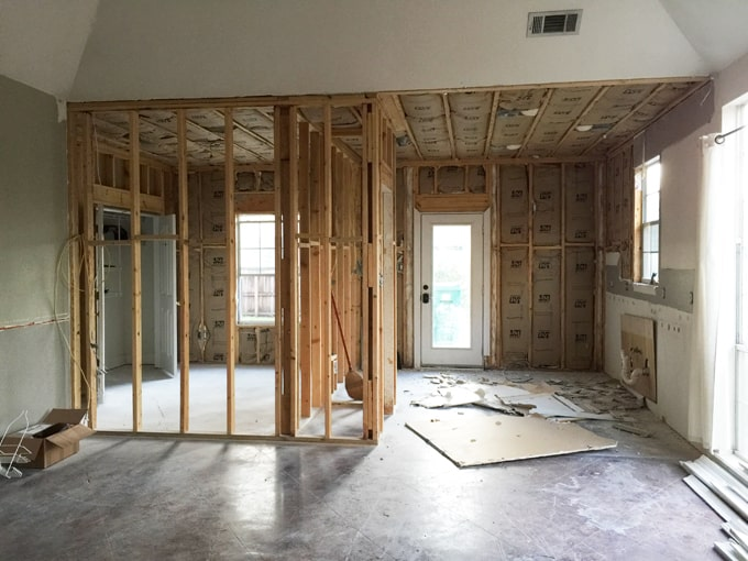 MOMables Studio Update!! Check out the renovation process as it comes along.