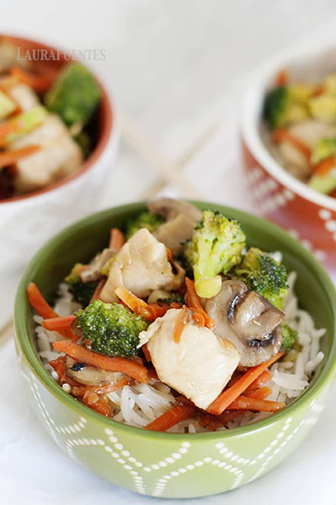 Need a mid-week dinner that is super easy to make, helps you use up leftovers, and the whole family will love? This easy Chicken and Broccoli Stir-Fry is going to become your go-to recipe.