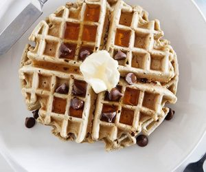 Gluten-Free Breakfast: Oatmeal Chocolate Chip Waffles