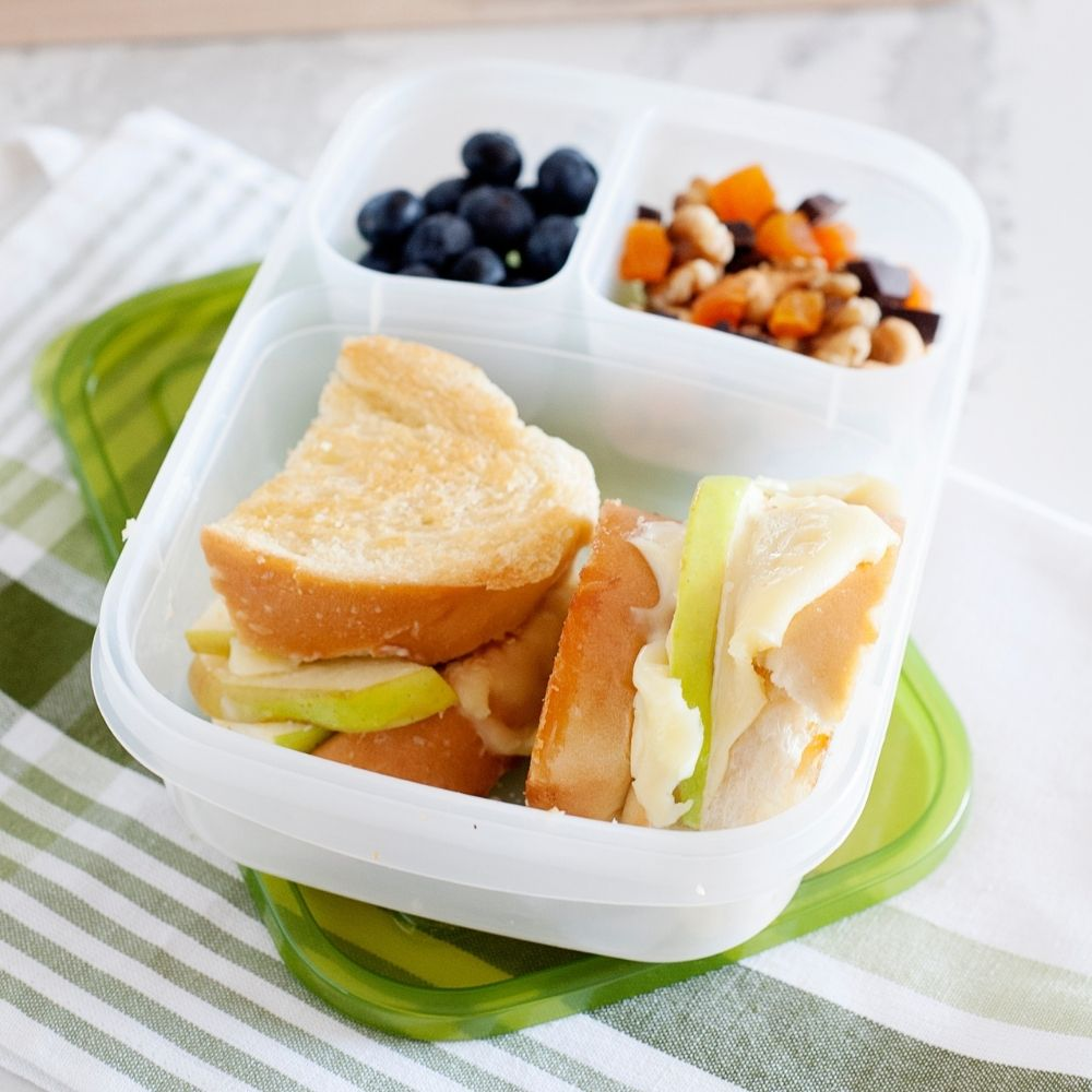 apple grilled cheese sandwich in a lunch container