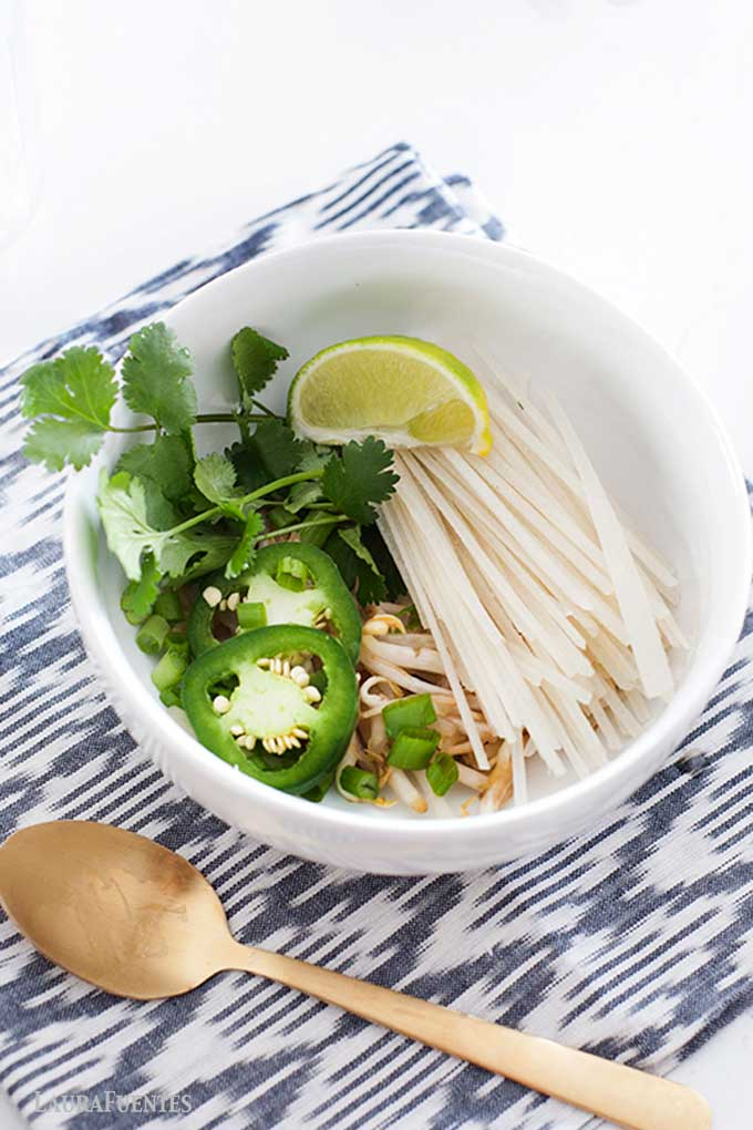 img: rice noodles and ingredients for pho