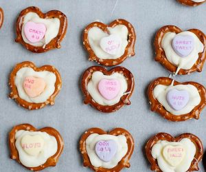 Easy Valentine's Day Craft: Chocolate Pretzel Hearts