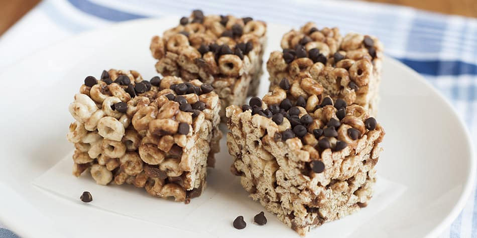 No-Bake S'mores Cereal Bars