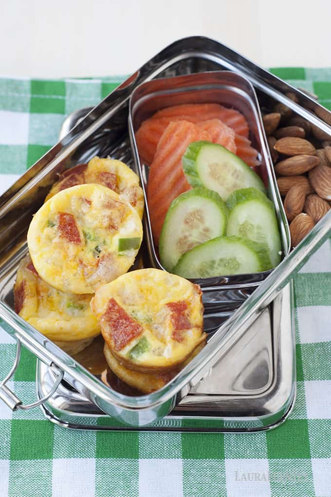 Bite size pizza quiches with carrots and cucumbers