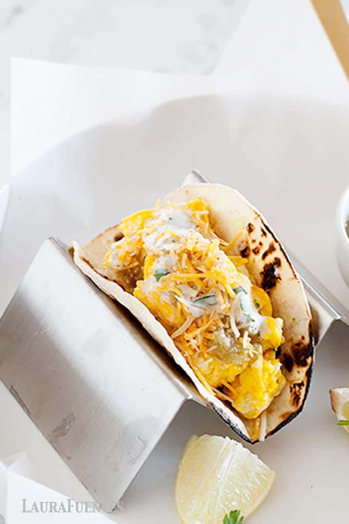 huevos verdes healthy breakfast tacos