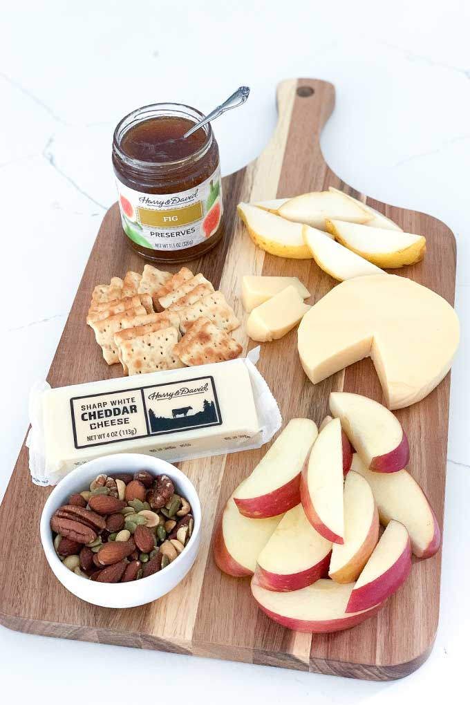 img: apples pears cheese on board