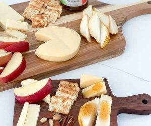 img: fruit and cheese boards