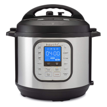 instant pot with lid