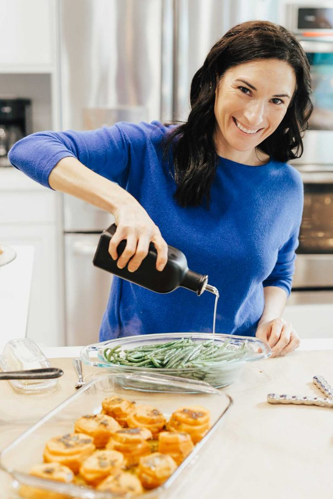 woman with gluten-free thanksgiving side dishes